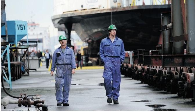 Mark Collins – Seaspan at Work: RCN JSSs Still Sliding Right (CCG icebreaker not for now)